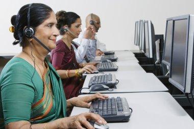 Senior customer service operator