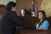 Bíró néz az ügyészség, a bíróság