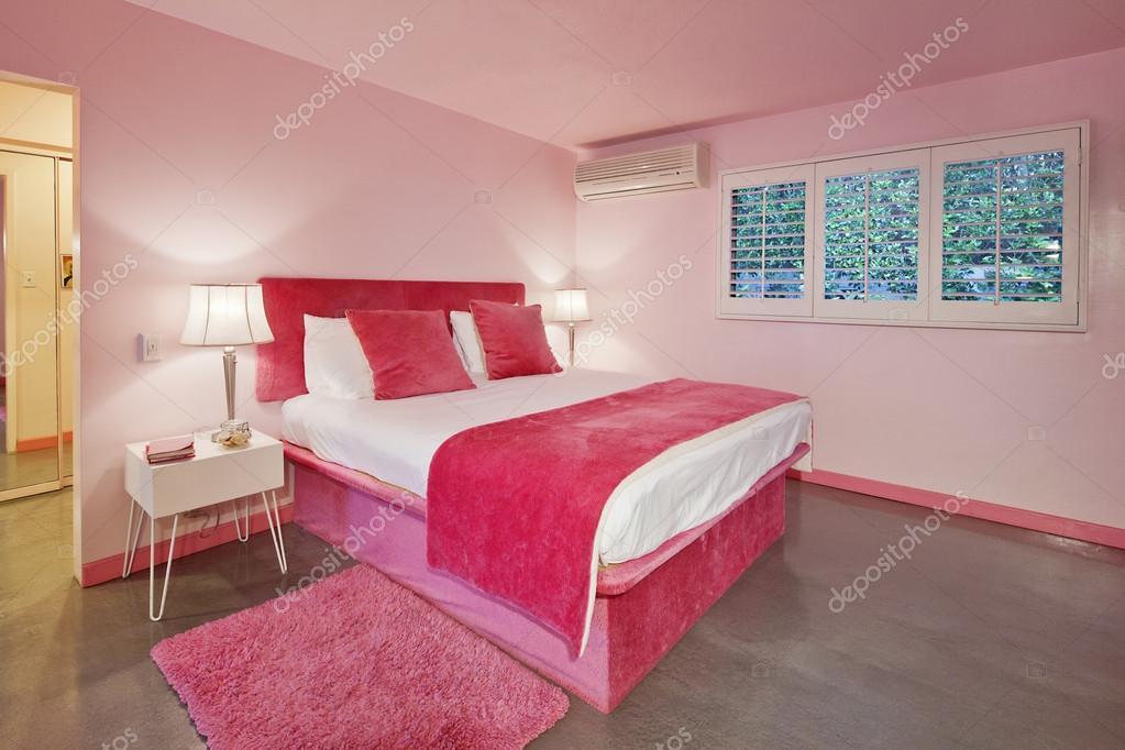 Camera Letto Rosa : Arredamento della camera da letto rosa u foto stock