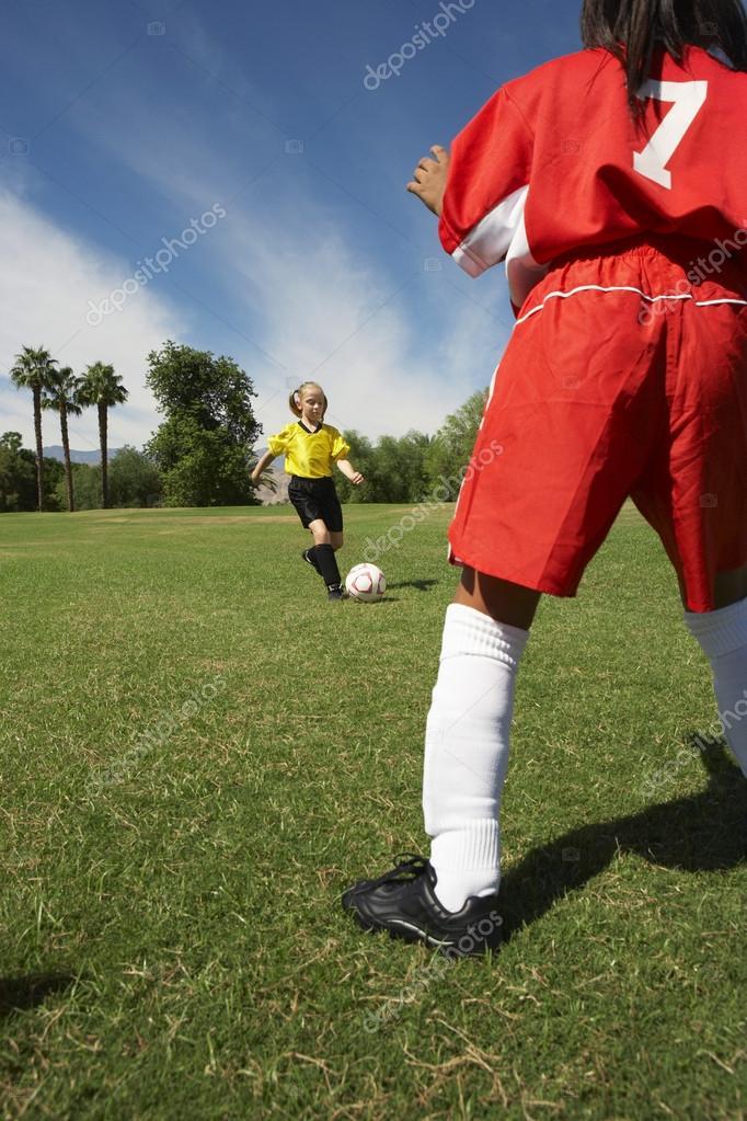 Fotos Chicas Jugando Al Futbol Dos Chicas Jugando Al Futbol