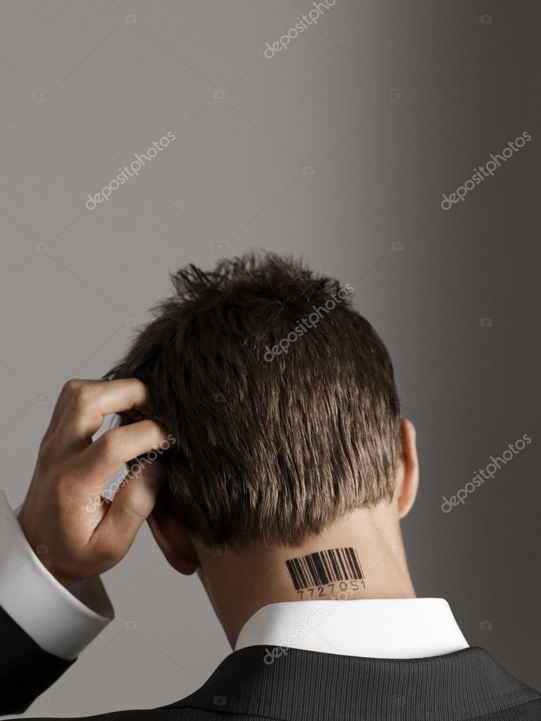 Tatuajes De Codigo De Barras En La Nuca Hombre Con Código De