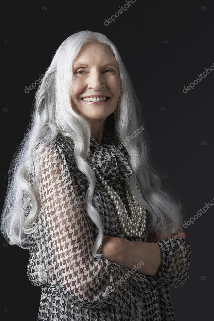 långt grått hår