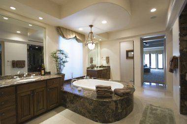 Marble bath with surround