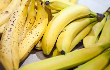 fresh yellow bananas in market