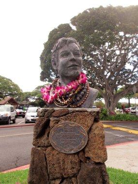 Jack Lord Statue at Kahala Mall