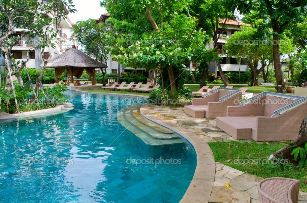 Swimming pool of tropical resort — Stock Photo © ti_to_tito ...