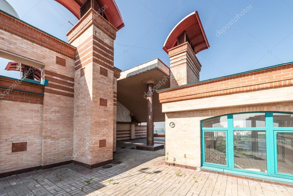 Groot Vierkant Balkon : Groot balkon op het dak van moderne chique residentiële woningen