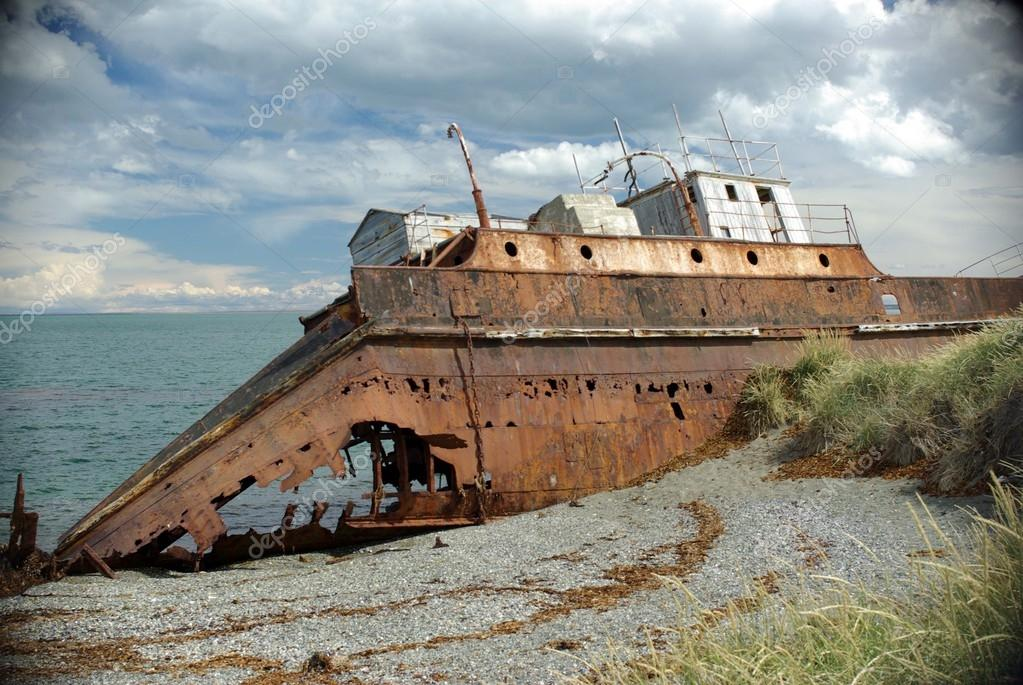 Old ship in Chile