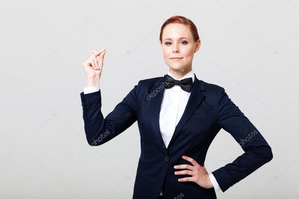 b41b0733a9f 나비 넥타이와 양복에 귀여운 패션 여성 — 스톡 사진 © michaeljung ...