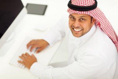 arabic businessman using modern computer