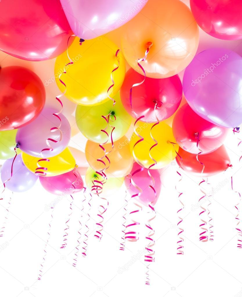 Globos con serpentinas para la celebración de la fiesta de cumpleaños  aislado — Foto de Stock 8525d28cb86