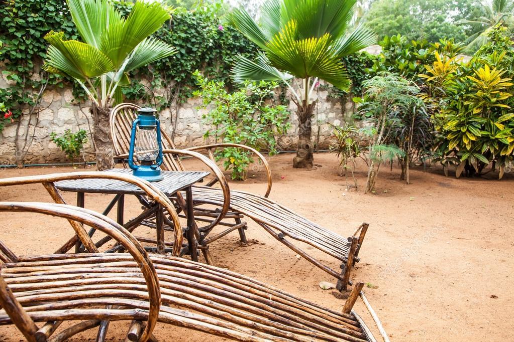 muebles de jardín — Fotos de Stock © perseomedusa #26829617