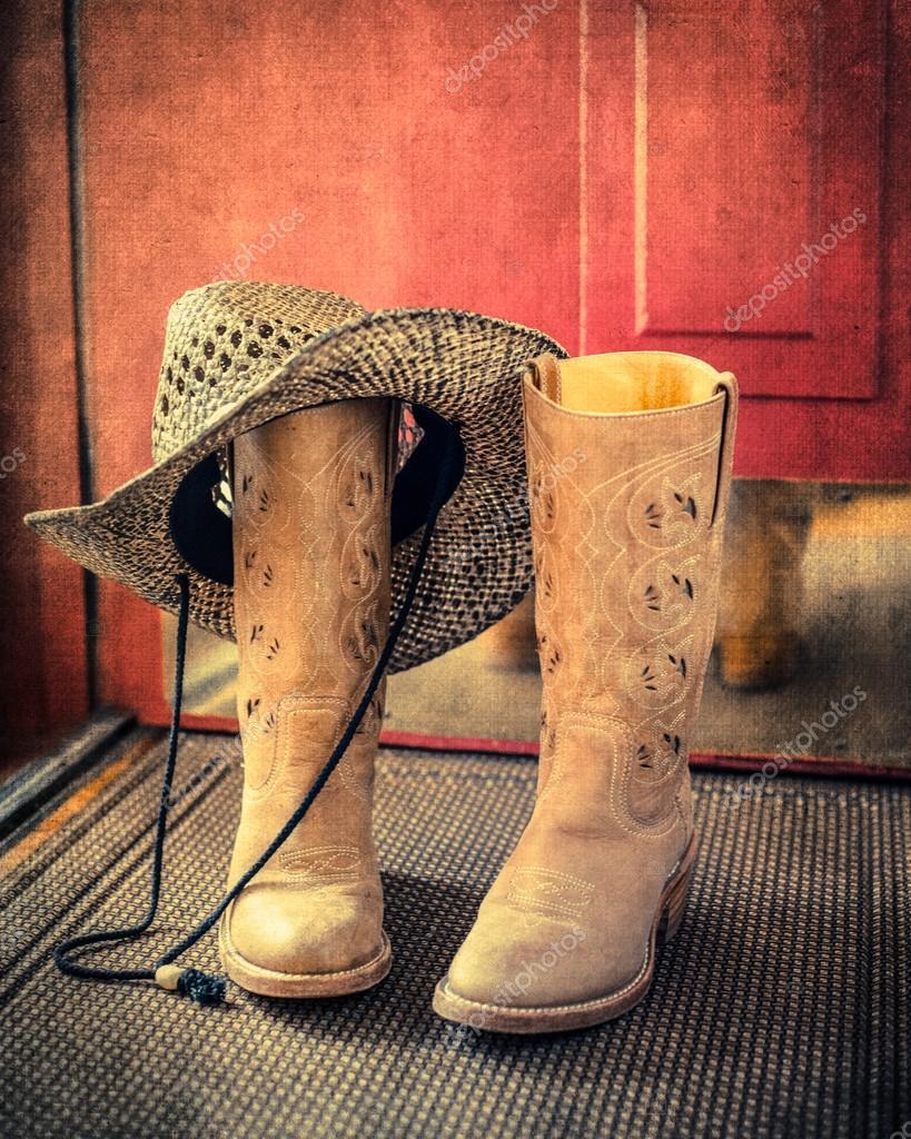 634047d35b0e9 chapéu e botas de país ocidental — Stock Photo © littleny  50820171