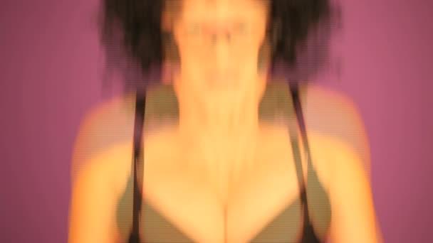 překvapen žena s černým afro