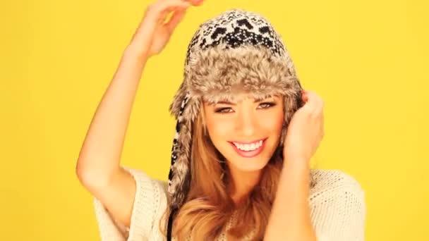 krásná blondýna zimní žena