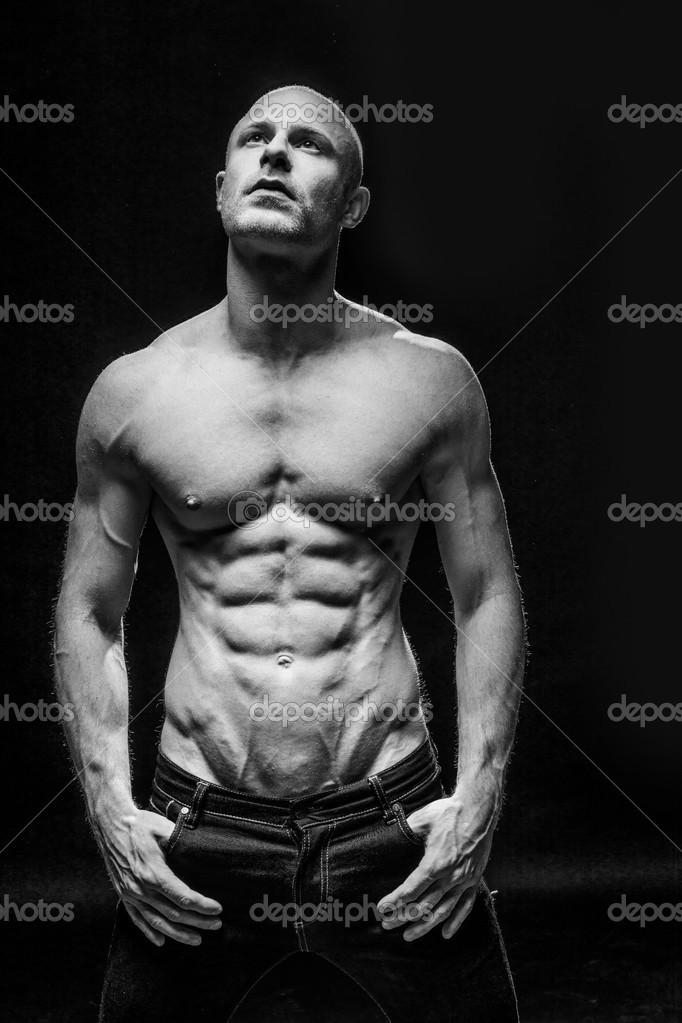 Fitness Mann mit einem sixpack — Stockfoto © nelka7812