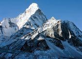 Ama dablam - cesta k everest základní tábor - Nepál