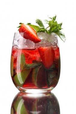 Fresh mint and strawberry water