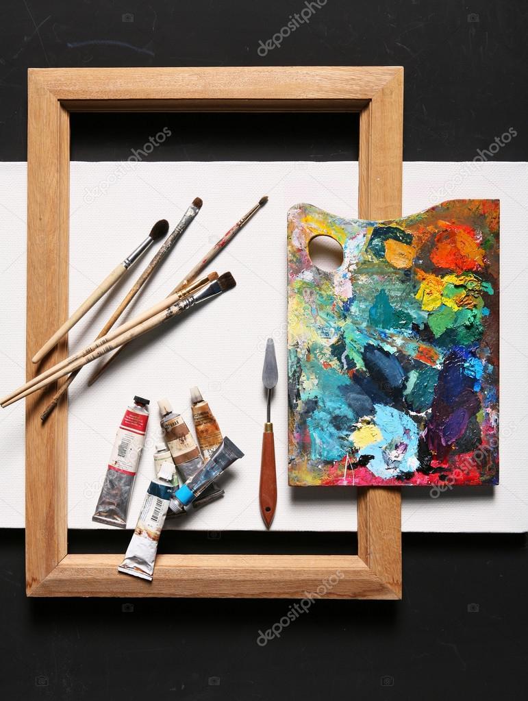 set de pintura - pinturas, pinceles, lienzo en blanco, marco — Fotos ...