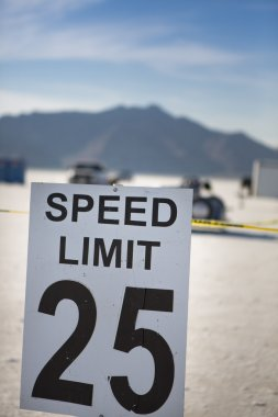 Speed limit 25 at Bonneville
