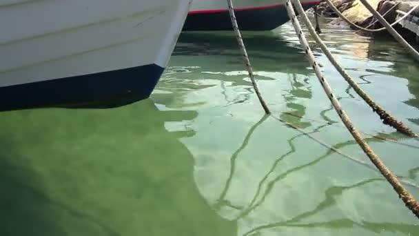 Yachten und Boote im Hafen