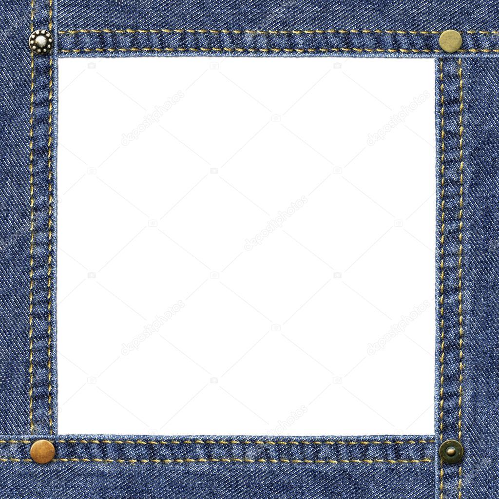 marco vacío hecho de mezclilla azul, adornado con remaches de metal ...
