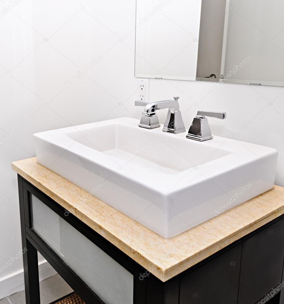 Vier de salle de bain photographie elenathewise 16941605 - Evier salle de bain ...
