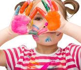 Fotografie portrét roztomilá dívka hraje s barvami