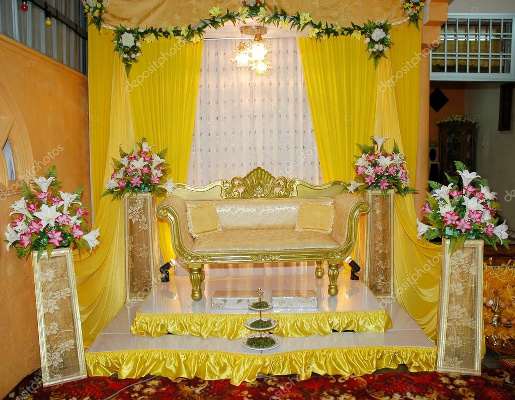 Pmages: traditional wedding decoration | Traditional wedding stage — Stock  Photo © sydeen #16030785