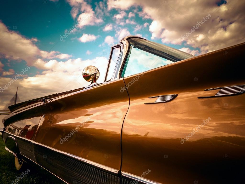 Buick Electra 225 oldtimer car