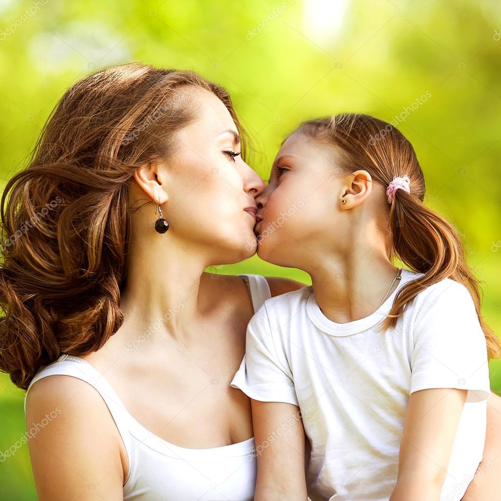 Mutter Und Tochter Gebumst