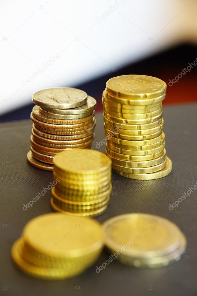 Berge Von Münzen Stockfoto 1000wordsimages 13712152