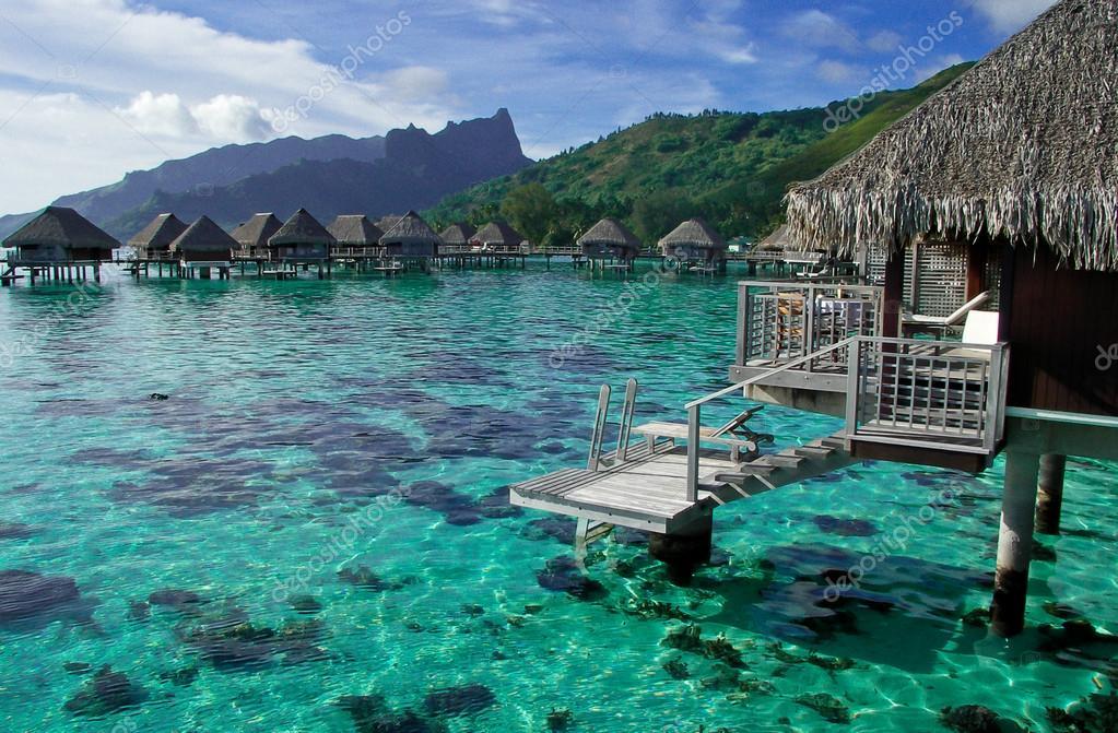 Bungalow sull 39 acqua in polinesia francese foto stock for Fantastici disegni di bungalow