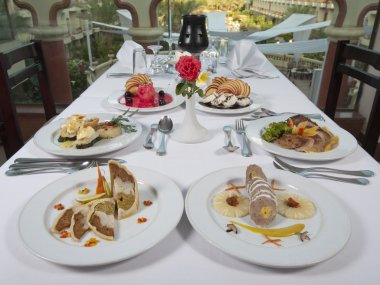 Three course meals in an a la carte restaurant