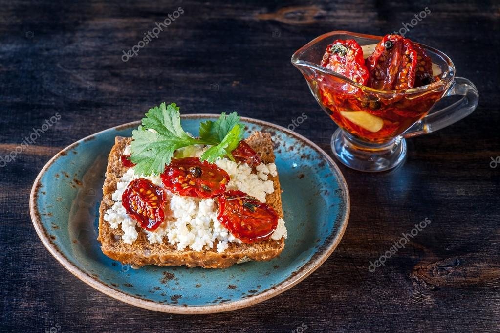 Awe Inspiring Whole Wheat Bread With Cottage Cheese Herbs And Sun Dried Download Free Architecture Designs Embacsunscenecom