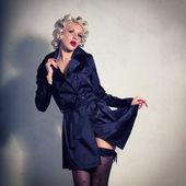 Fotografie stilvolle Blondine