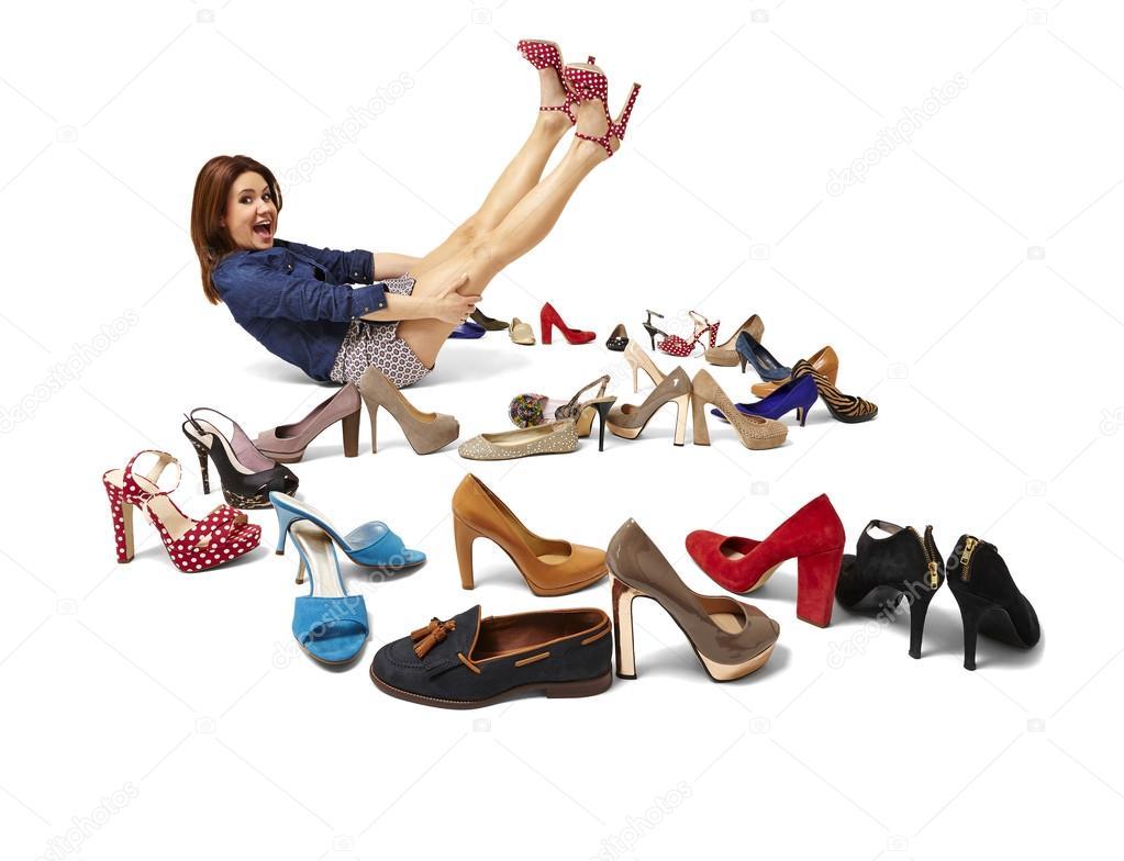 1cb159673a3d модная женщина и большой выбор обуви — Стоковое фото © filipw  43951767