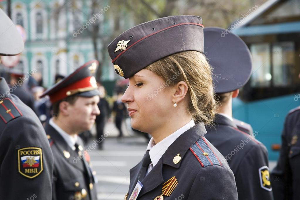 The girl police officer in the city of St  Petersburg