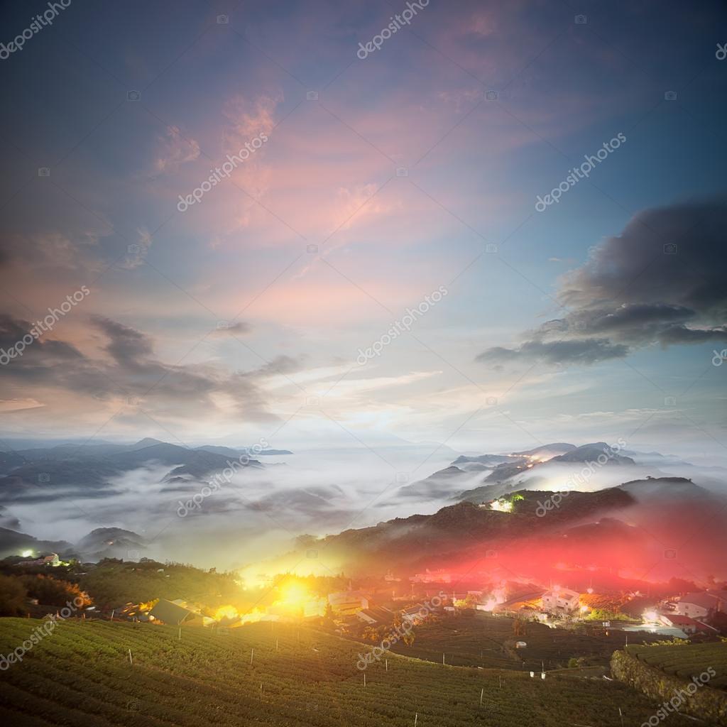 Amazing sunrise and sea of cloud