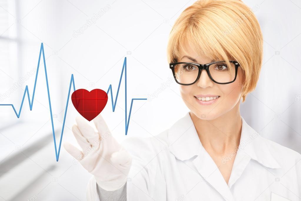Doctor tecla virtual con el diagrama del corazón — Foto de stock ...