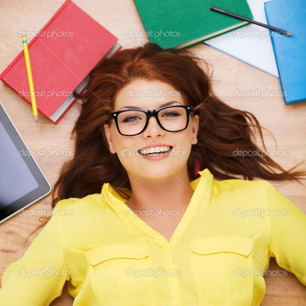 Рыжую студентку в очках — img 10