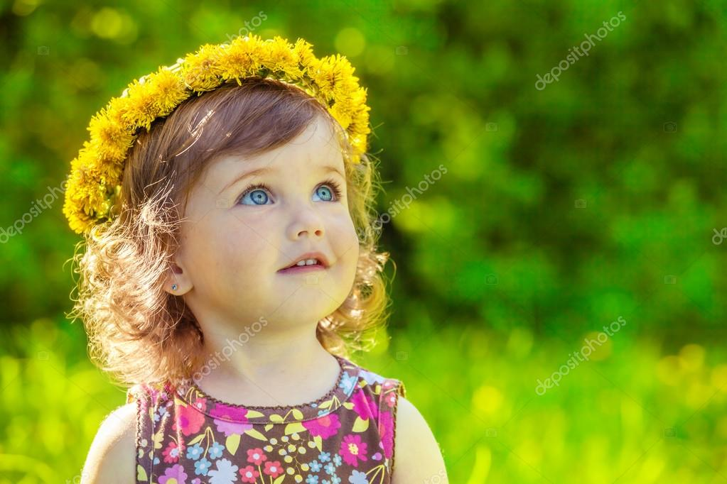 Girl with yellow headwreath on