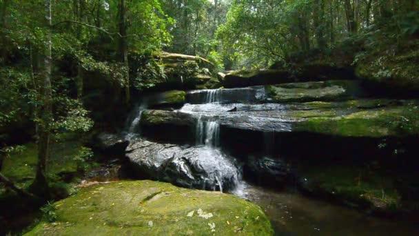 Tham yai vodopád na phu kradeug, Bob provincii, Thajsko