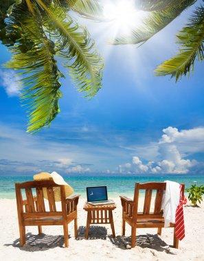 Stop working, start relax