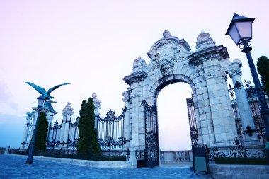 Heavens doors in Budapest