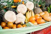 Fotografie Tropische Früchte werden auf dem lokalen Markt in Koh Chang Insel verkauft.
