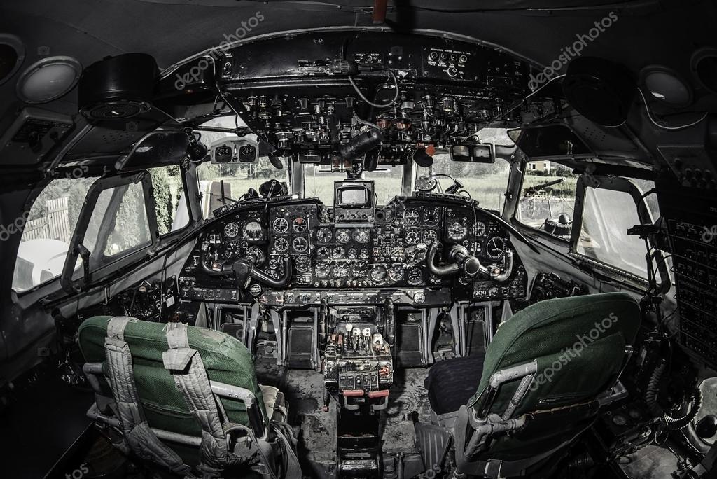 All 39 interno della cabina di pilotaggio aereo foto stock for Piani economici della cabina di ceppo