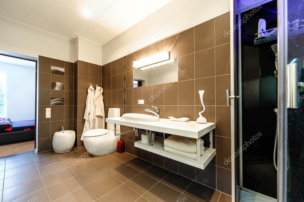 interni di lusso bagno moderno — Foto Stock © amoklv #19996903