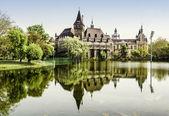 Vajdahunyad vár kilátás a tóparti. Budapest, Magyarország