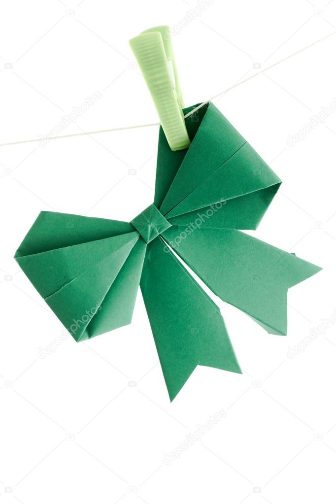 HOW TO MAKE AN ORIGAMI PAPER BOW. — Gathering Beauty | 1023x682